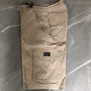 😎$drop😎 GAP boy's cargo shorts, size 16